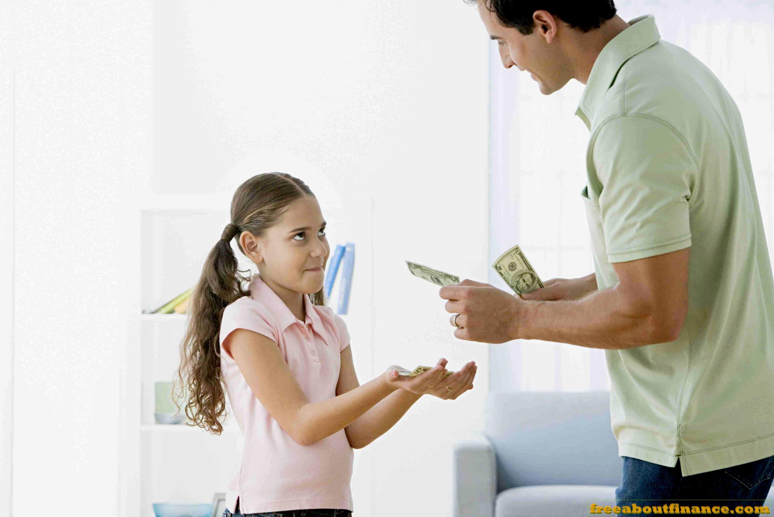 Сколько давать денег подростку на карманные расходы